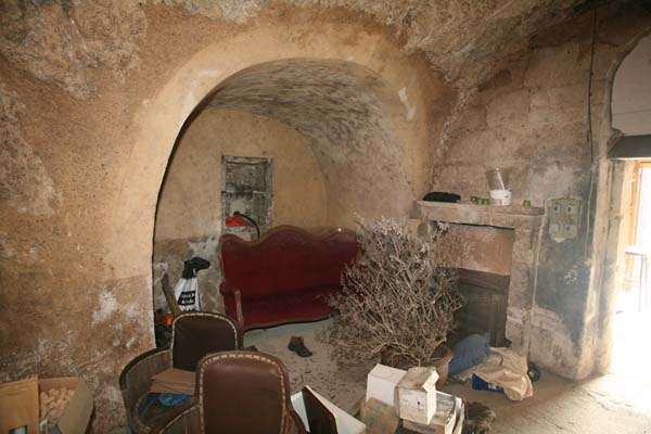 1jean_marie_renvoise_fireplace_in_cellar