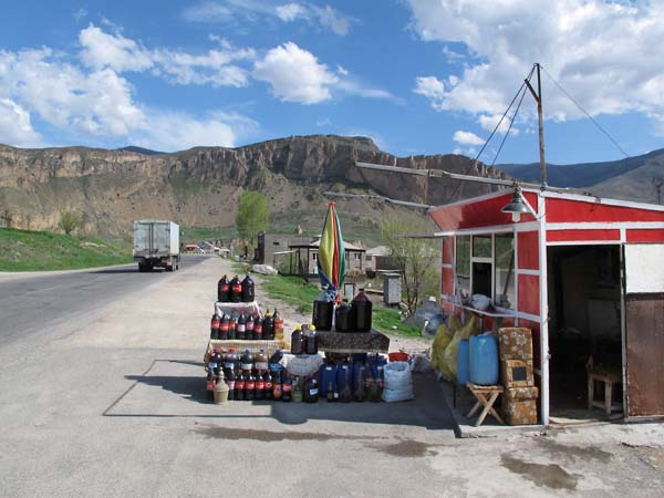 1haigaz_areni_roadside_wine_shack