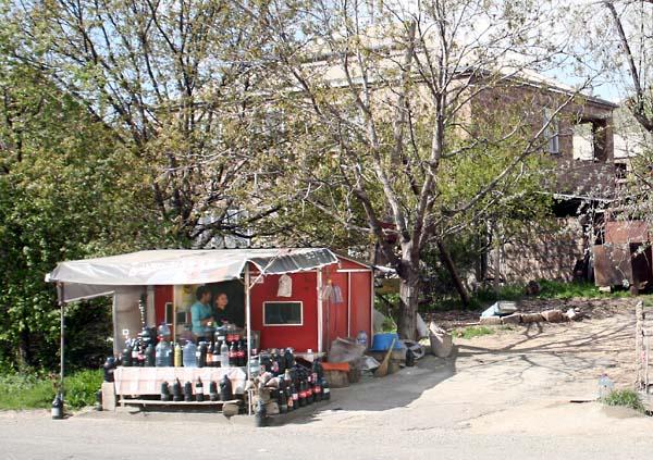 1haigaz_areni_wine_stall