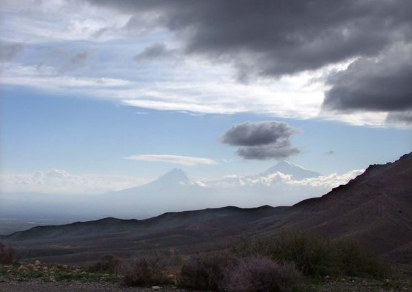 1armenia_view_on_ararat