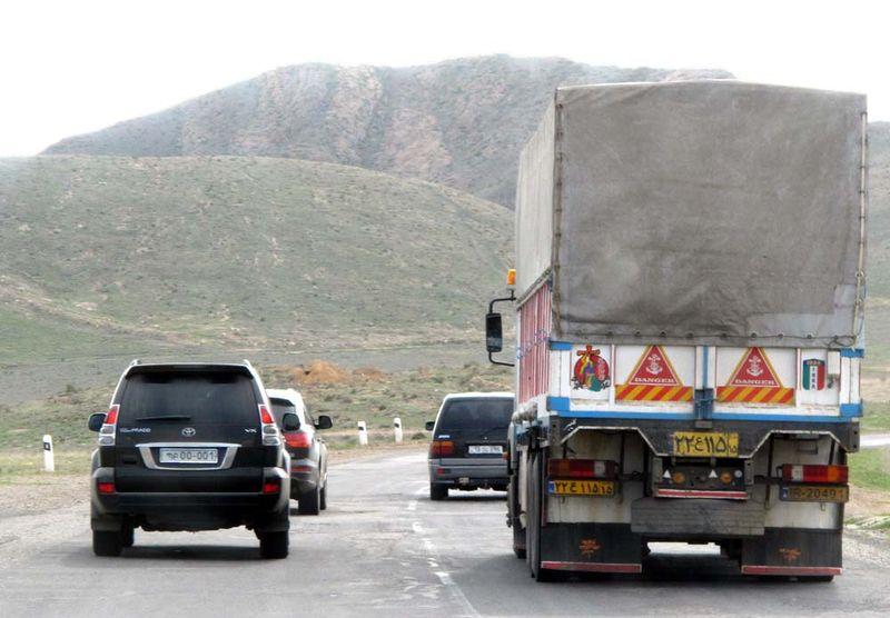 1iranian_truck_armenia