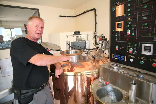 1pavo_nachi_bargida_brewing_machine