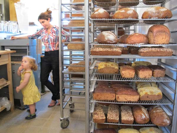 1real_bread_tel_aviv_customer_baby