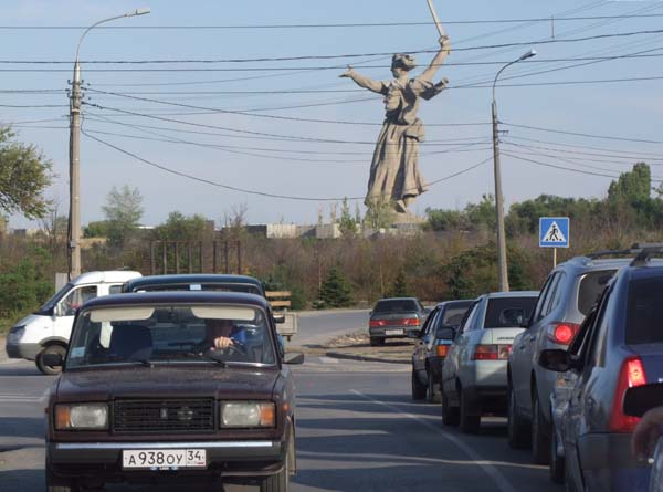 1stalingrad_rodina_mat_traffic
