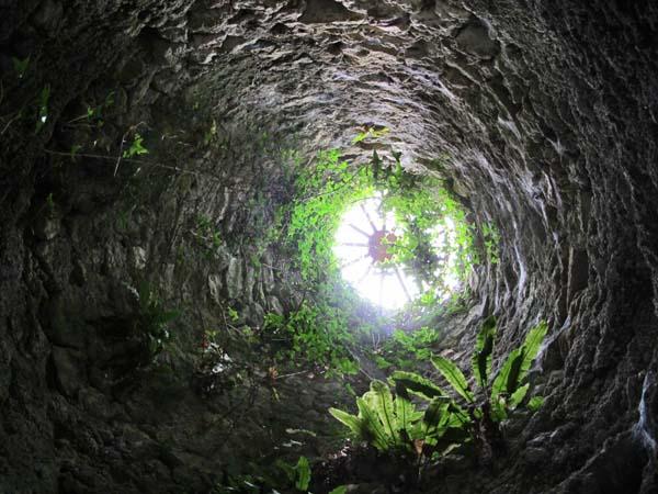 1clos_cristal_sky_chimney_hole
