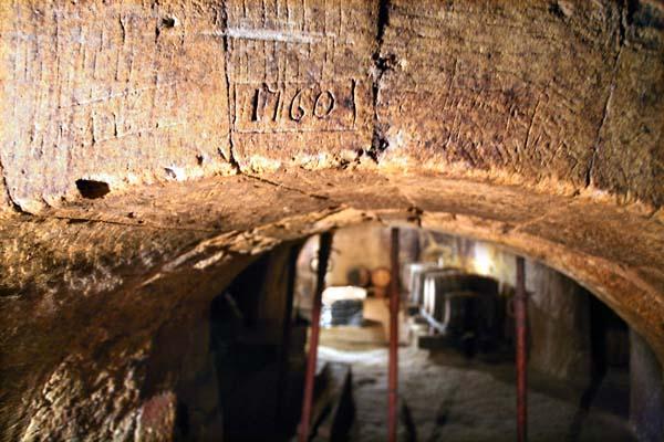 1jardins_esmeraldins_cellar_1760
