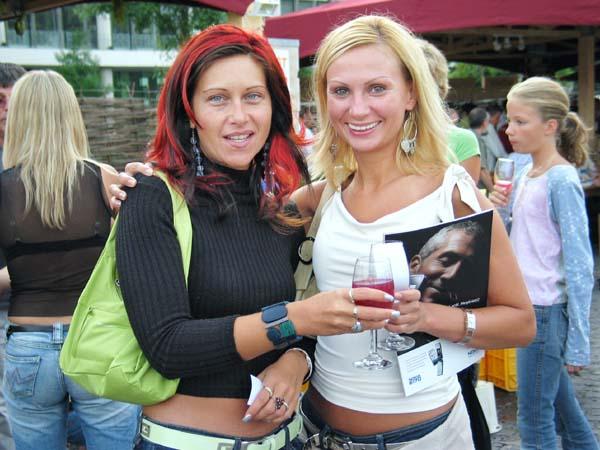 1borfalu_budapest_women_glass