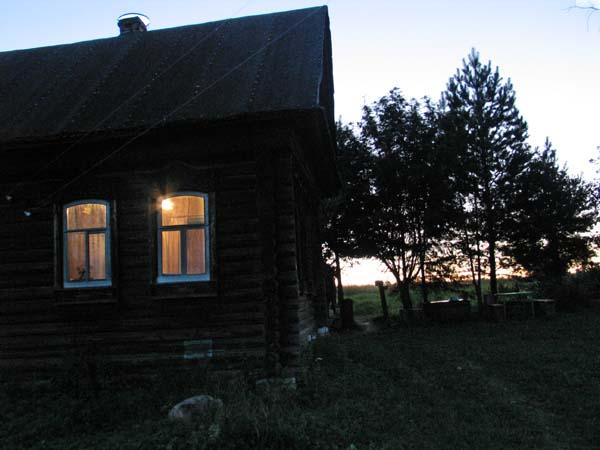 1russia_samogon_isba_evening