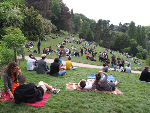 1paris_picnic_buttes_chaumont