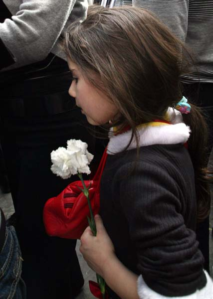 1armenia_remembrance_day_young_girl