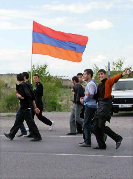 1armenia_remembrance_day_flag