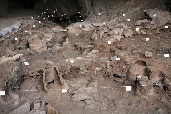 1areni_cave_first_site