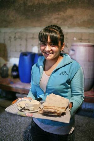 1haigaz_areni_daughter_cheese_bread
