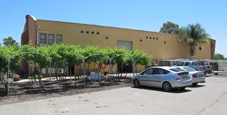1chateau_golan_winery_facility