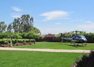 1chateau_golan_helicopter_lawn