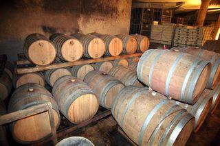 1chateau_golan_cask_cellar_corner