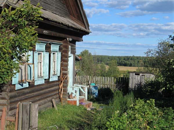 1russia_samogon_isba_village_khsschrwsk
