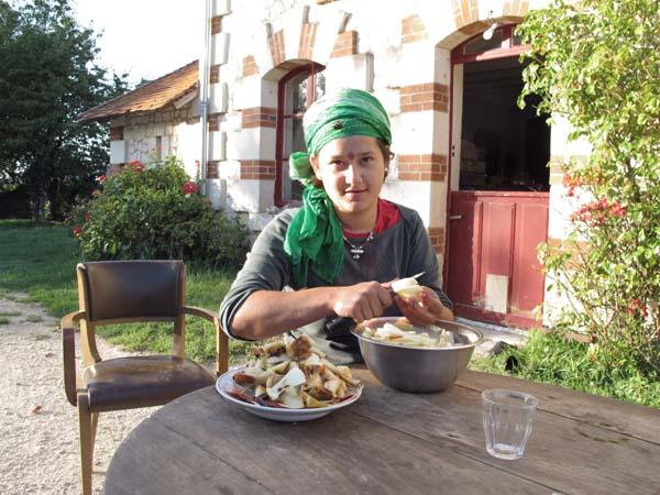 1noella_morantin_lalita_preparing_dinner
