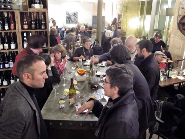1beaujolais_nouveau_cave_de_linsolite_table_elevee