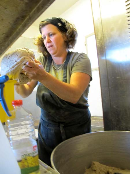 1real_bread_tel_aviv_kneading_dough1