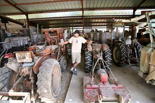 1courtois_claude_etienne__tractors_vineyard