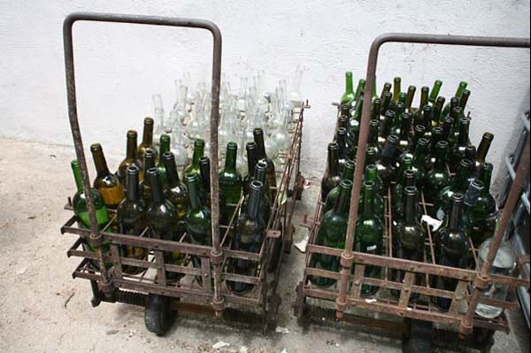 1ch_sainte_anne_bottle_cart