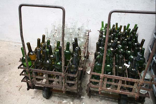 1ch_sainte_anne_bottle_cart