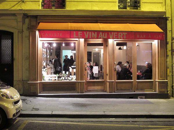 1vinauvert_wine_bar_paris_exterior