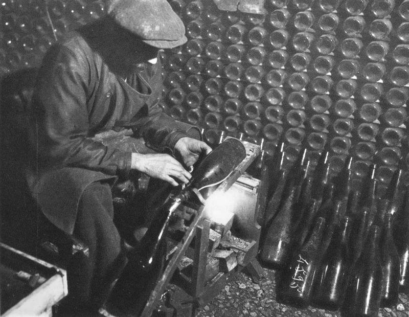 1_1930_vinif_transvasement_vin_de_marque