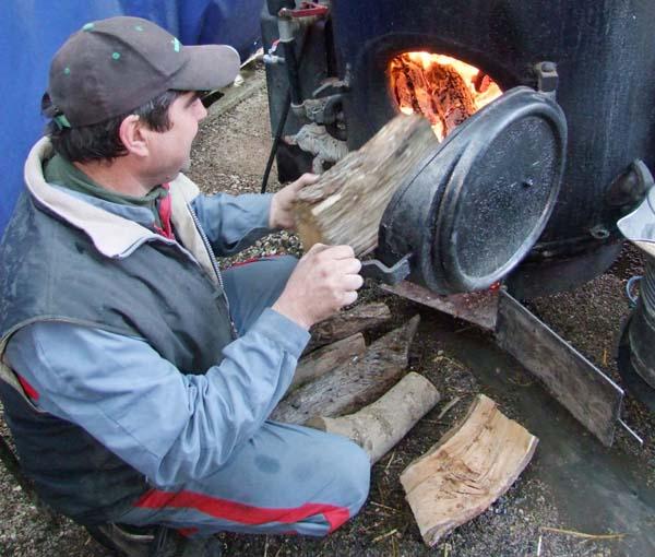 1distiller_filling_steam_boiler