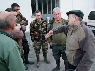 1fox_hunting_briefing_the_hunters
