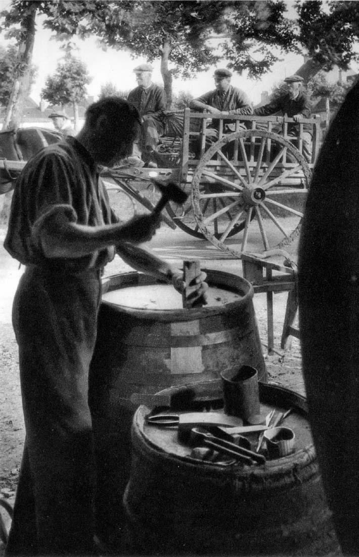 1_1930_vinif_repare_futs_gevrey_chambertin