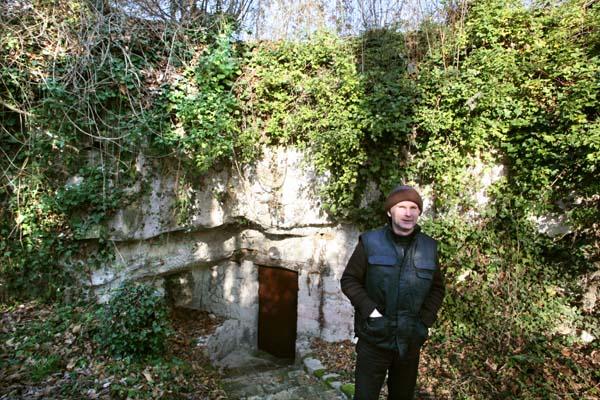 1Pierre_Breton_cask_cellar_entry