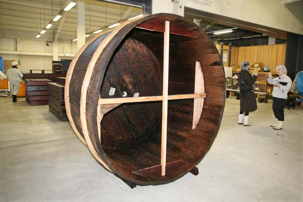 1kenbishi_brewery_steaming_wooden_basket
