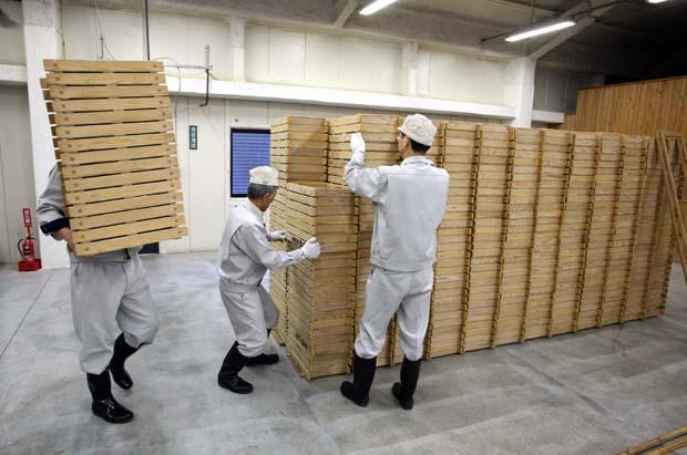 1kenbishi_brewery_kurabito_crates