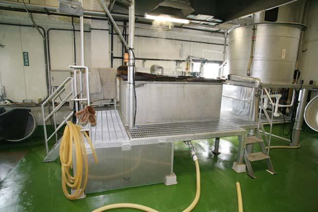 1kenbishi_brewery_washing_corner