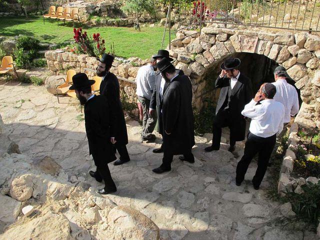 1hebron_ruth_yishai_tomb_tel_rumeida