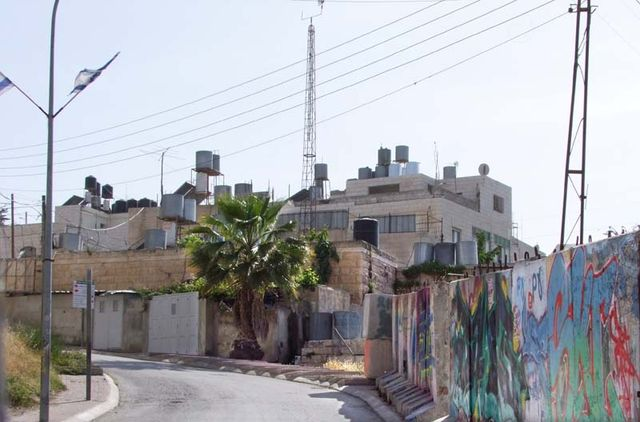 1hebron_water_tanks_murals
