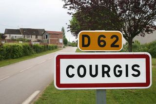 1alice_olivier_de_moor_courgis_road_sign