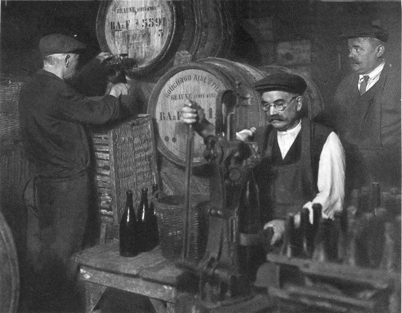 1_1930_vinif_negociant_mise_en_bouteille