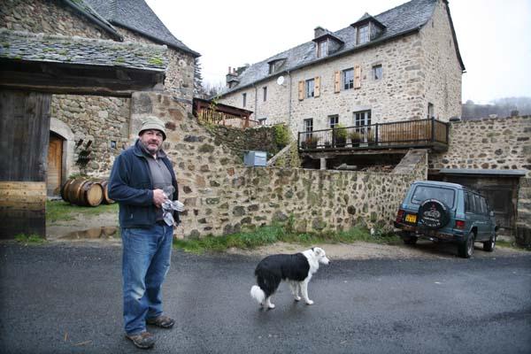 1nicolas_carmarans_aveyron_montagnes_campouriez_cave