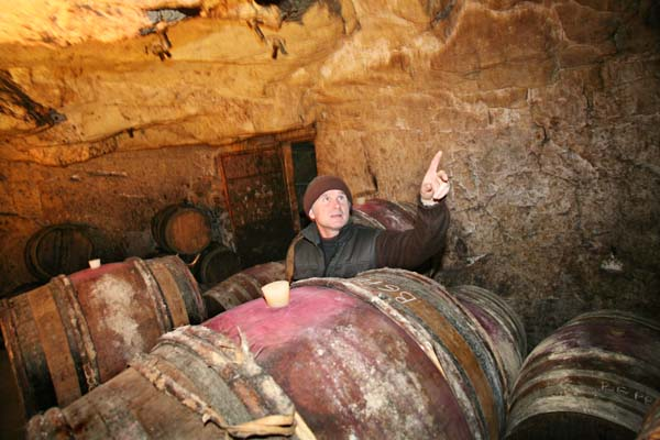 1Pierre_Breton_sneaking_in_the_cellar