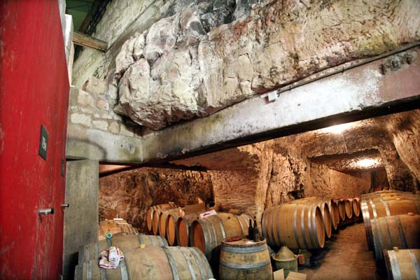 1bernatd_baudry_chinon_cliff_cellar