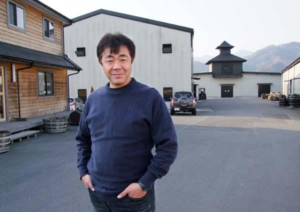 1chichibu_ichiro_akuto_at_distillery