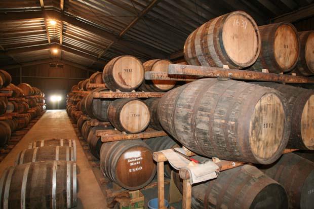 1chichibu_barrel_storage_building_whisky