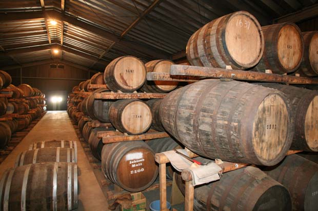 1chichibu_barrel_storage_building_whisky