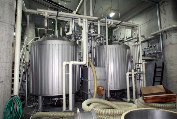 1saito_shuzo_rice_water_tanks
