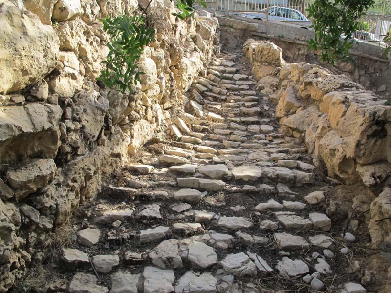 1hebron_tel_rumeida_ancient_road