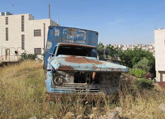 1hebron_tel_rumeida_schwepps_truck