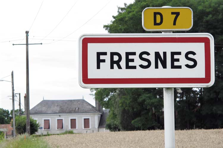 1jeremy_quastana_fresnes_road_sign